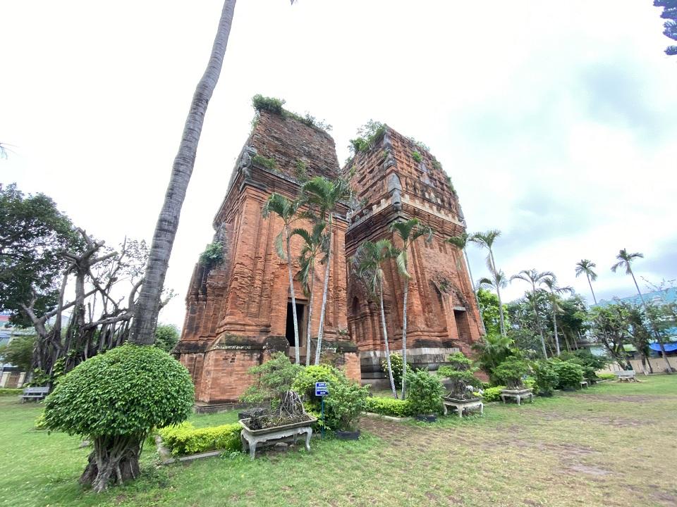 Tháp Đôi nét đẹp văn hóa Chăm tại Quy Nhơn